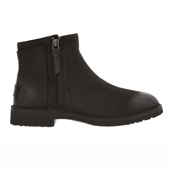 c37c77219ef Ugg Rea leather bootie ankle boots 8.5 black nib NWT